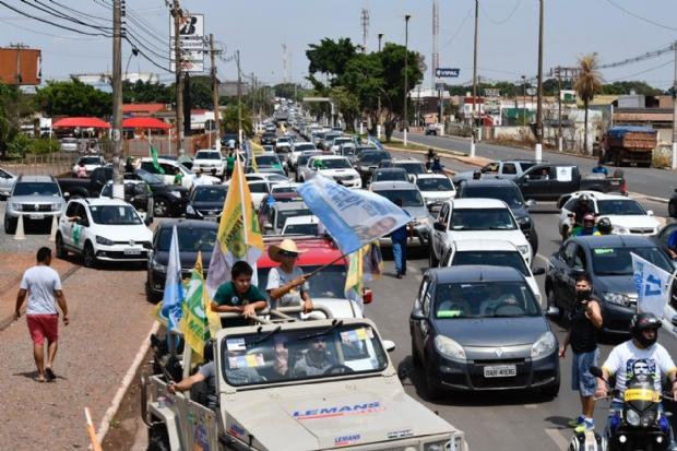 Convocada por Magno Malta, carreata pró-Bolsonaro circula pelas principais avenidas de Cuiabá e Várzea Grande