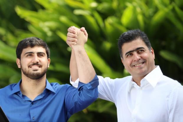 Emanuelzinho ao lado do pai, prefeito Emanuel Pinheiro