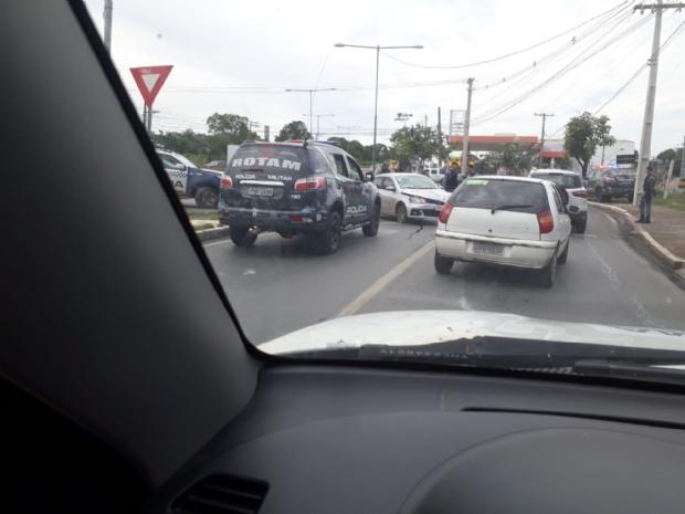 Assaltante morre em troca de tiros com a PM em Cuiabá; um preso e outro foragido