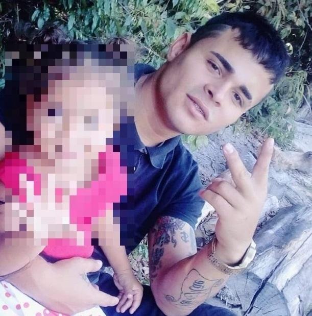 Família oferece recompensa para quem passar informação sobre jovem raptado há 10 dias