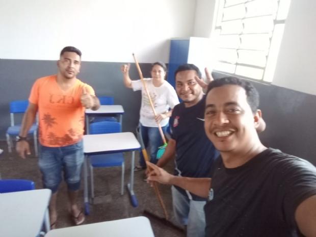 Pais reformam quatro salas de escola municipal do Jardim Industriário II