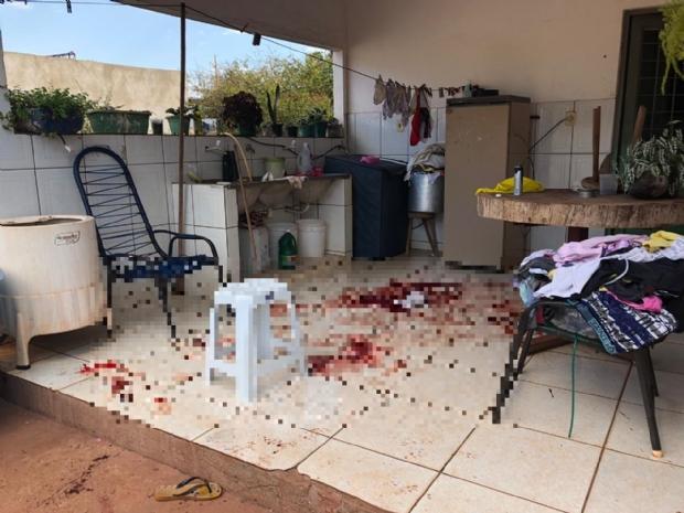 Assaltante morre e outro fica em estado grave após troca de tiros com a polícia