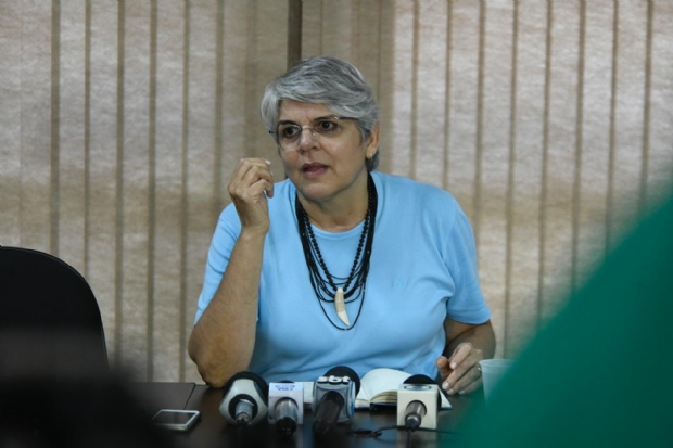 Reitora diz que foi surpreendida com corte e que dinheiro do MEC não estava disponível