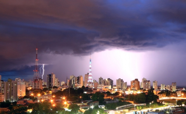 CPTEC emite alerta de chuvas intensas para Cuiabá e mais 139 municípios