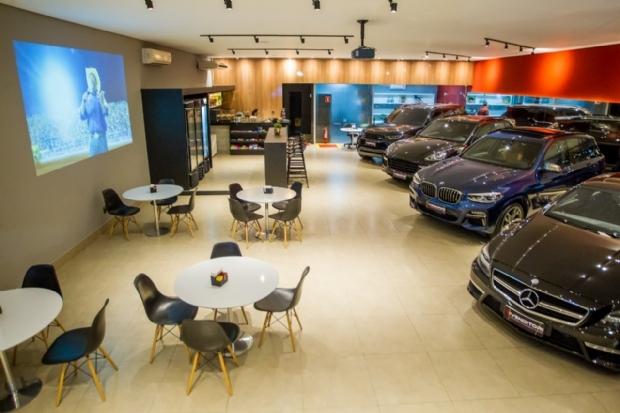 Empresa de Cuiabá é referência de segurança em revenda de carros de luxo