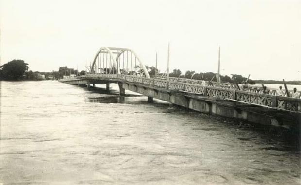 """Historiador relembra enchente que fez rio Cuiabá transbordar na Ponte Júlio Müller: """"foi um grande choque"""""""