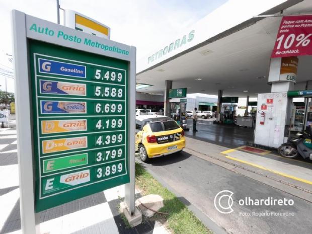 Motoristas de aplicativo fazem manifestação contra alta dos preços dos combustíveis