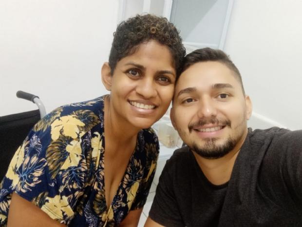 Casal de Cuiabá faz vaquinha para custear tratamento de esclerose múltipla