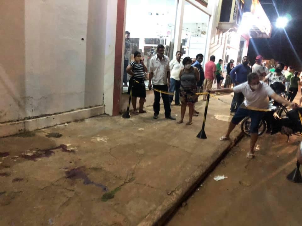 Empresário é executado a tiros em frente a loja de materiais para construção