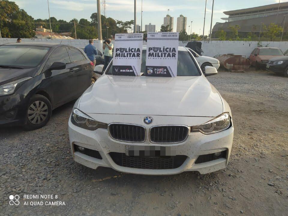 Idoso de 60 anos é preso após ser flagrado dirigindo BMW roubada no Distrito Industrial