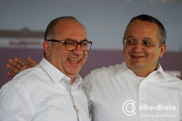 João Batista Pereira da Silva ao lado governador Pedro Taques