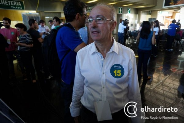 Ex-senador diz não fugir de luta e que pode se candidatar