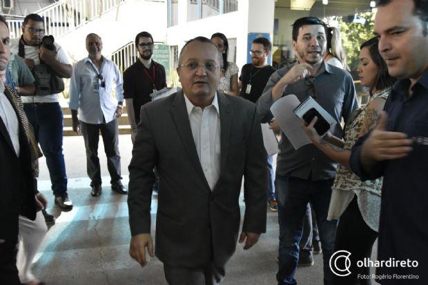 Pedro Taques diz que greve do Detran é política, não negocia e que vai mandar cortar ponto de servidores