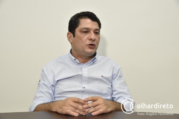 Julier Sebastião critica aliança com DEM e afirma que Brizola está se revirando no túmulo