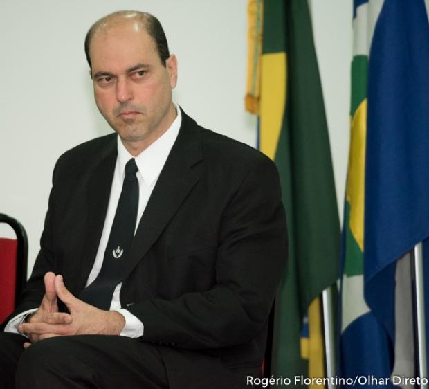 Líder do MDB avalia resultado de pesquisa e diz que rejeição de Taques é sentida nas ruas