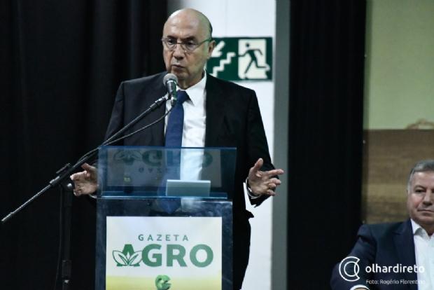 Em Cuiabá, ministro afirma que avalia pesquisas antes de se lançar a presidente