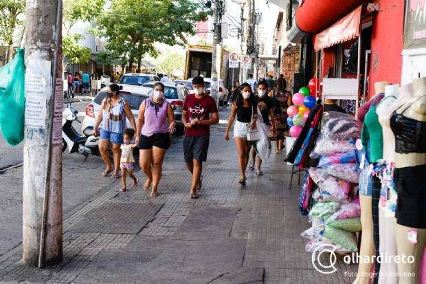 Taxa de infecção por Covid-19 em adolescentes e jovens foi a que mais cresceu em Cuiabá