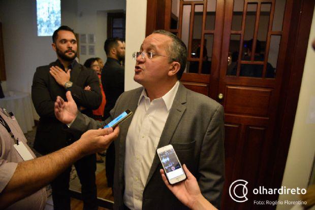 Pedro Taques vai a Brasília com governadores para arredondar debate da Previdência