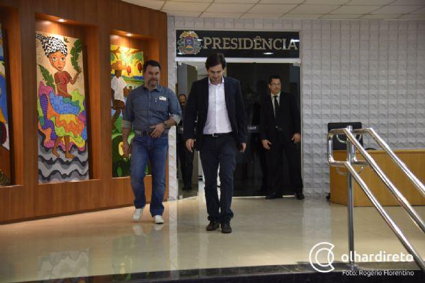 """Deputados do PSB definem estratégia para """"retomar"""" partido das mãos de Valtenir Pereira"""