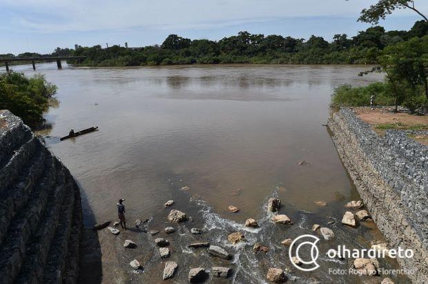 Queimadas podem causar mortandade de peixes e alteração da qualidade da água no Rio Cuiabá