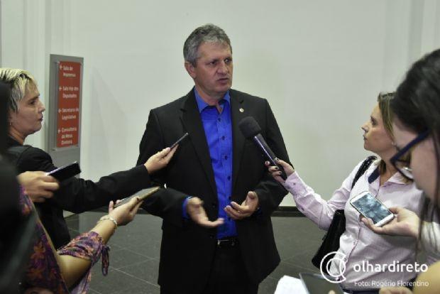 Dilmar aponta dívida de R$ 4 bilhões e pede ajuda e compreensão dos servidores