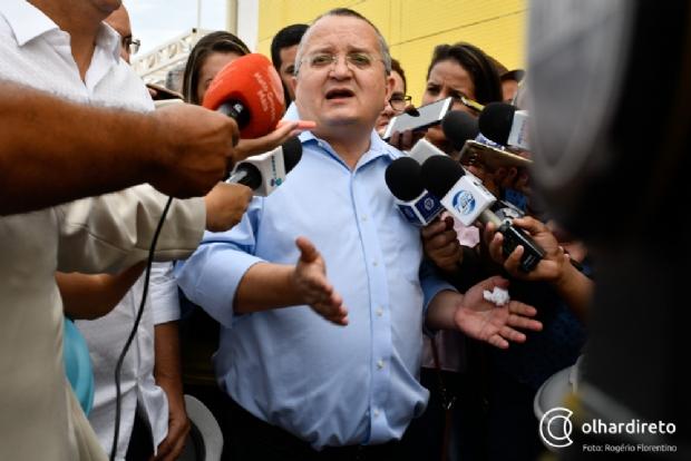 Taques acusa Mauro Mendes de usar redes sociais e fazer promessas com oportunismo