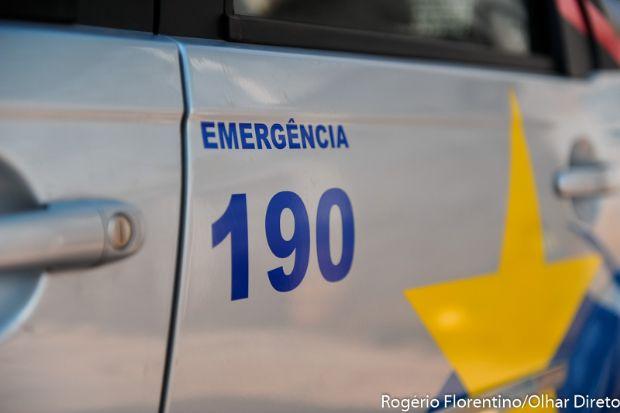 Mulher acusa marido de tentar matá-la atropelada e testemunha diz que vítima se jogou na frente de carro