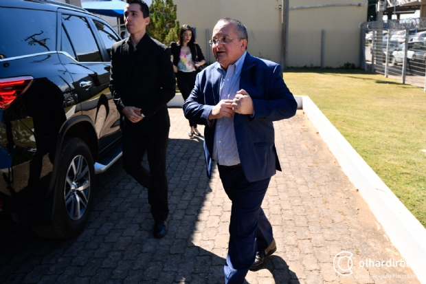 """""""Sou contra foro por prerrogativa"""", afirma Taques sobre ter processos em primeira instância"""