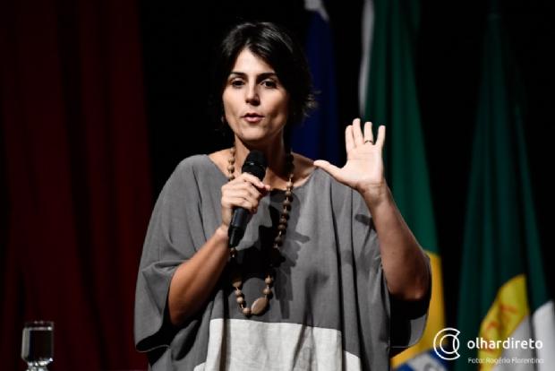 """""""Brasil é maior que o ódio que o Bolsonaro destila"""", dispara Manuela D'Ávila em Cuiabá"""