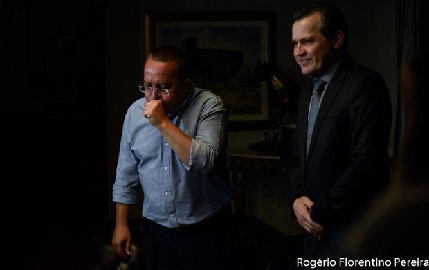 """Taques afirma que Silval é """"vagabundo"""", roubou dinheiro de """"criança aleijada"""" e até tapete do Palácio"""