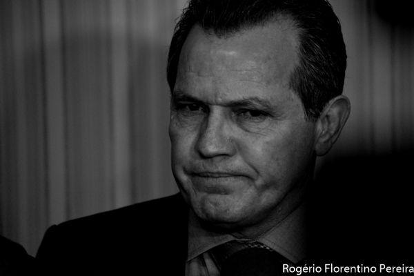 """Silval garante que """"nenhum centavo foi desviado do VLT"""" e pede CPI aos deputados"""