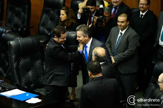 Mendes entrega pacote de reformas e mantém secretários na AL para garantir aprovação