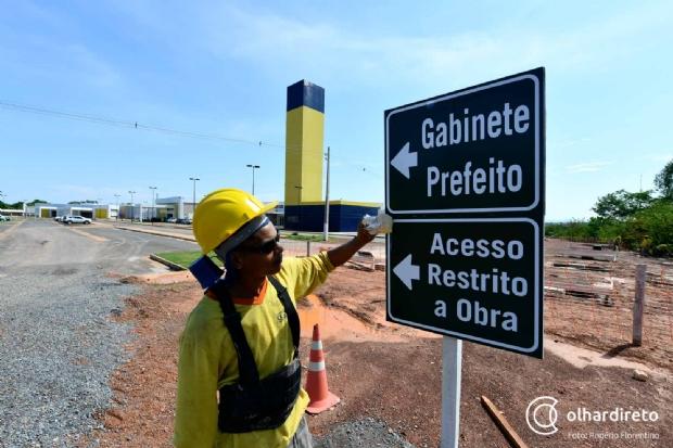 Obras do novo Pronto-Socorro entram na reta final e Taques firma compromisso com custeio da unidade