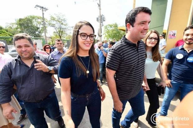 Janaína Riva apresenta requerimento para abertura de 'CPI dos Grampos' com dez assinaturas