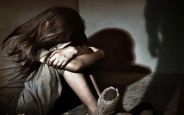 Homem é preso pela PM por suspeita de estuprar enteada de oito anos