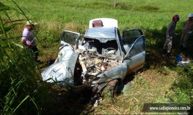 Motorista tenta desviar de buraco, bate em árvore e passageiro morre na MT-358