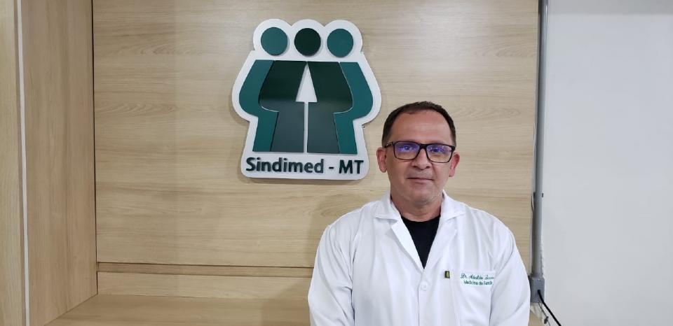 Sindicato diz que dificuldades para atestar comorbidade de pacientes tem causado constrangimentos à classe médica