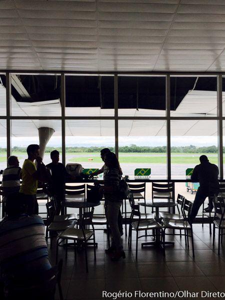 Com 97 passageiros, avião da Azul apresenta problemas técnicos e piloto faz  pouso de emergência