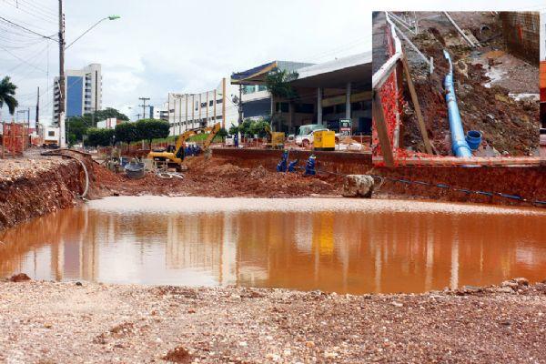Trincheira Jurumirim: excesso de água formou alagado que parecia um rio dentro do canteiro