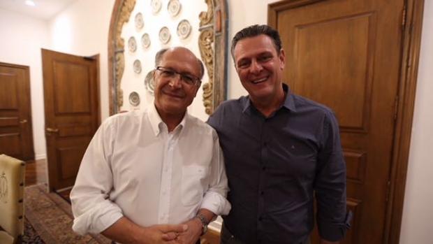 Fávaro viaja a São Paulo e declara apoio à pré-candidatura de Alckmin à Presidência