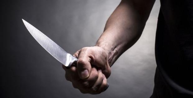 PMs evitam que criança de dois anos seja morta a facadas pela mãe