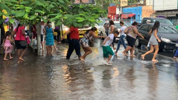 Cuiabá registra grande acumulado de chuva; CPTEC emite alerta de tempestade