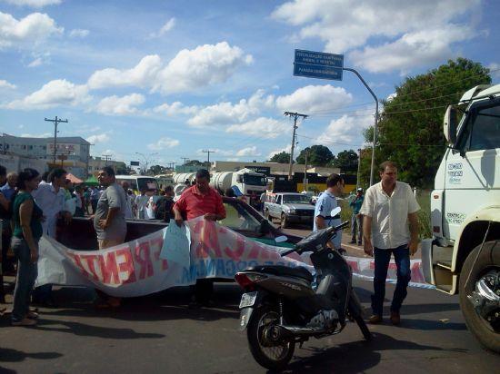 Manifestantes fecham posto fiscal de MT por 5 horas