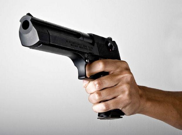 Para cobrar dívida, homem invade agência de publicidade e ameaça funcionária com arma