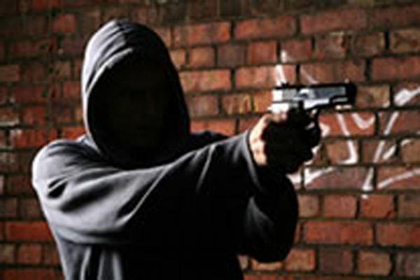 Empresário reage e atira contra bandido durante tentativa de assalto