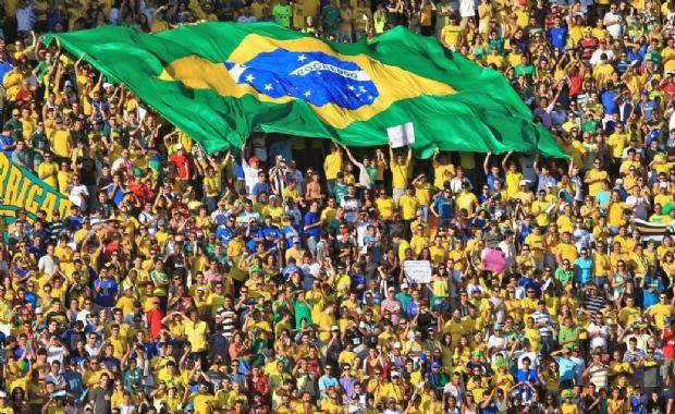 Prefeitura decreta ponto facultativo e expediente reduzido em jogos do Brasil na Copa