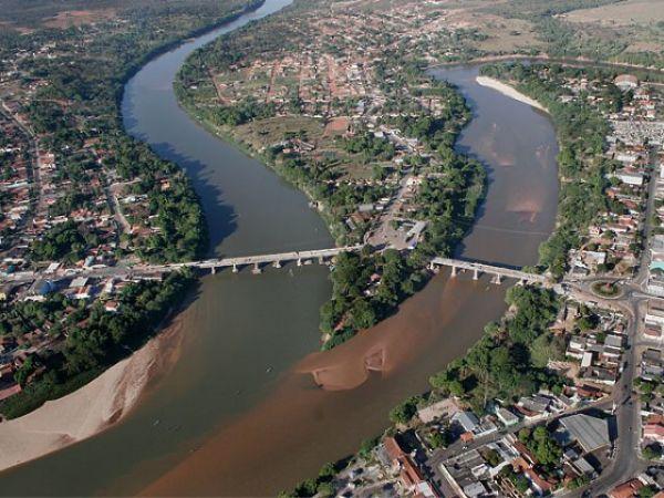 A região de Barra sofre com acumulo de carretas há 20 anos