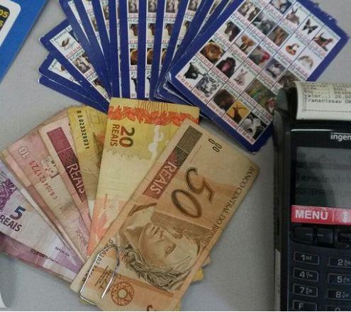 Polícia Civil fecha pontos de apostas de jogo do bicho e apreende máquinas e dinheiro