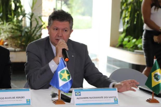 Bustamante anuncia reforço na Segurança Pública com compra de avião Caravan de 14 lugares e helicóptero novo