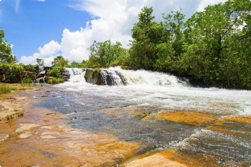 Festa em cachoeira tem rapaz de 20 anos baleado nas costas